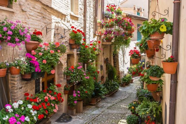 Италия.Спелло 1