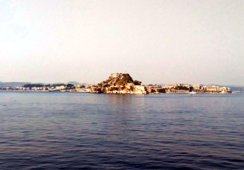 Вид на Керкиру с моря