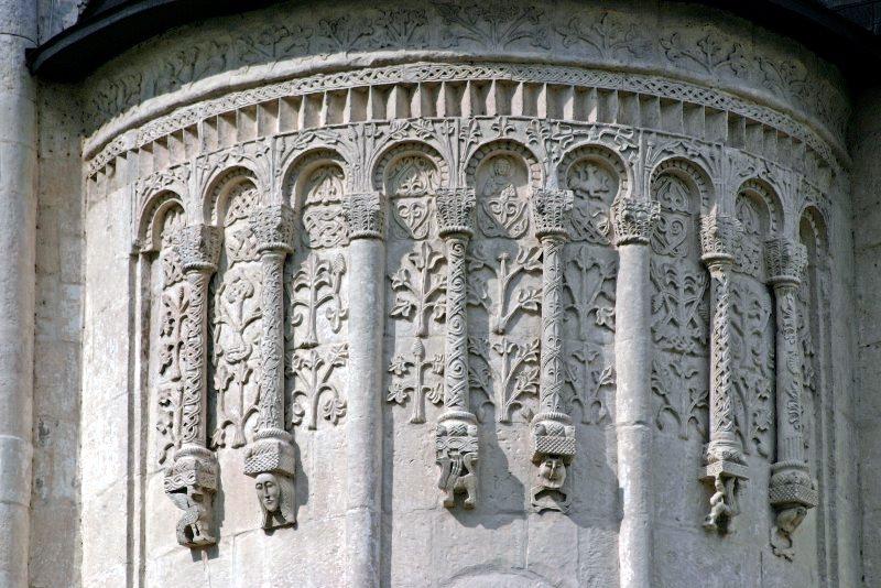 Владимир. Дмитриевский собор, стены