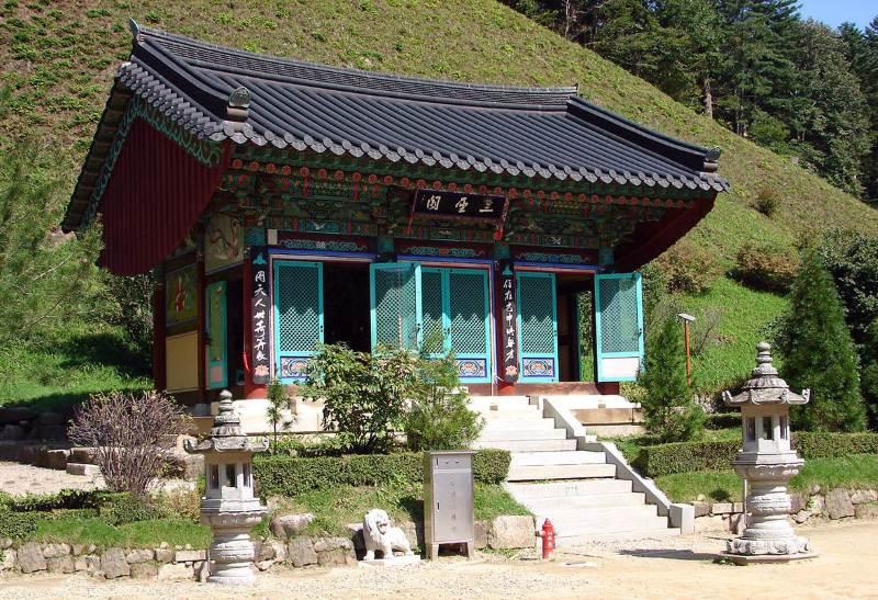 Пхенчхан. монастырь Вольджонса.