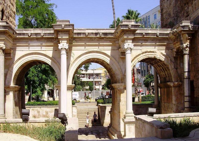 Анталья. ворота Адриана